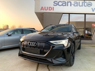 Audi E tron 50 S line Almost new! full!